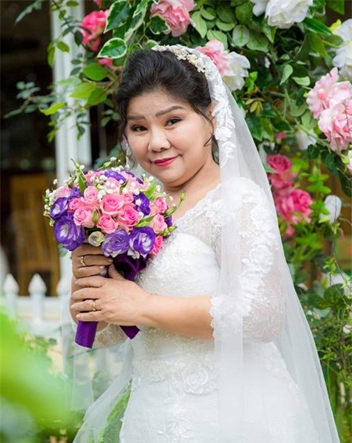 can canh dam cuoi nhu co tich nsnd thanh hoa tuoi u70 va chong tre hinh anh 3