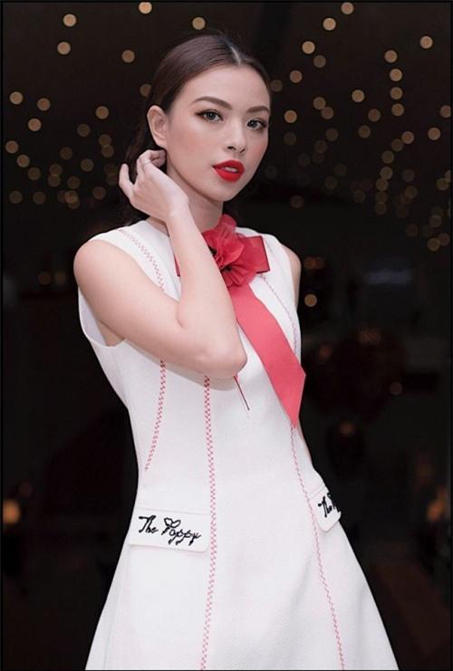 Chi Pu quả lợi hại! 'Chặt đẹp' cả Angela Phương Trinh và Tú Hảo khi diện lại thiết kế cũ - Ảnh 9.