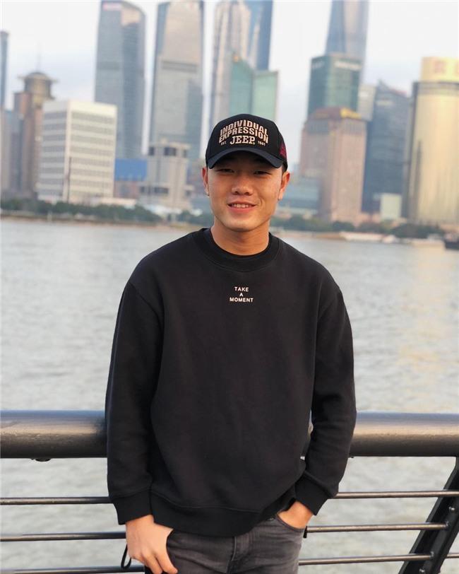 SIÊU HÀI HƯỚC: Khi cả showbiz chạy theo mốt mắt híp của đội trưởng Xuân Trường U23-1