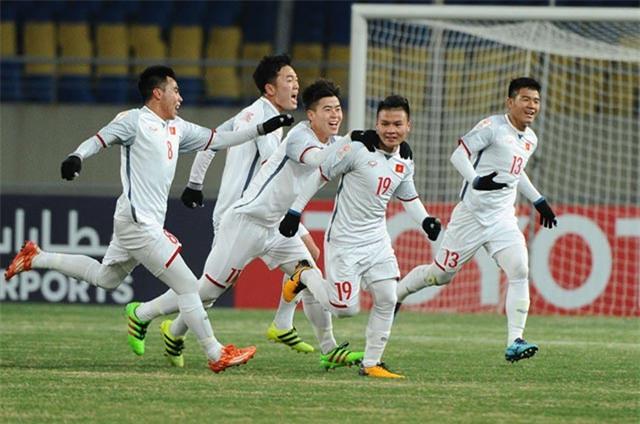 Đọ giọng hát của các thành viên trong boyband U23 Việt Nam-3