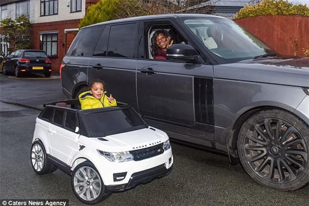 Chi 650 triệu mua sắm cho con trai 2 tuổi, cặp vợ chồng trẻ vẫn khẳng định không làm hư con - Ảnh 1.