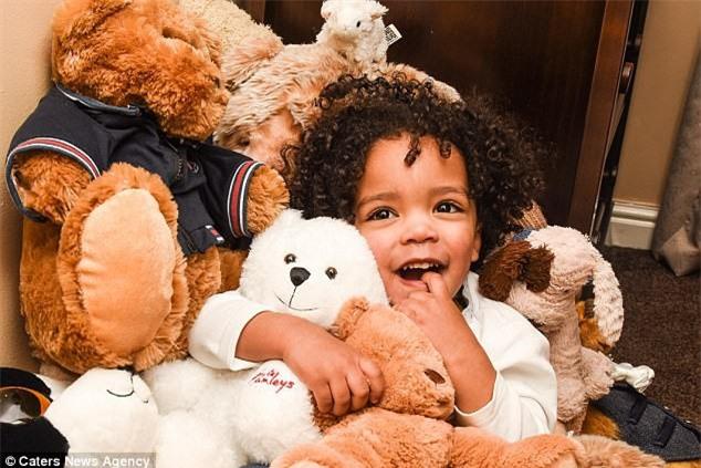 Chi 650 triệu mua sắm cho con trai 2 tuổi, cặp vợ chồng trẻ vẫn khẳng định không làm hư con - Ảnh 4.