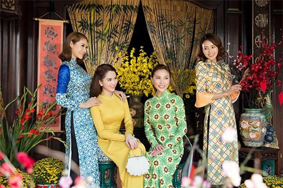 U23 Việt Nam, Mai Ngọc, Táo quân, Thảo Vân, Bùi Tiến Dũng