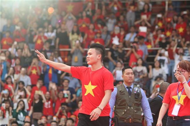 Dàn sao U23 Việt Nam mở hội tại TP.HCM - Ảnh 5.