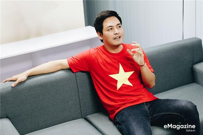 MC Phan Anh: Có một buổi sáng sau khi ngủ dậy, tôi thấy tóc mình bạc trắng