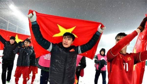 Top 10 cầu thủ Việt sở hữu lượng follow khủng trên Facebook, vượt mặt nhiều sao hạng A giải trí-1