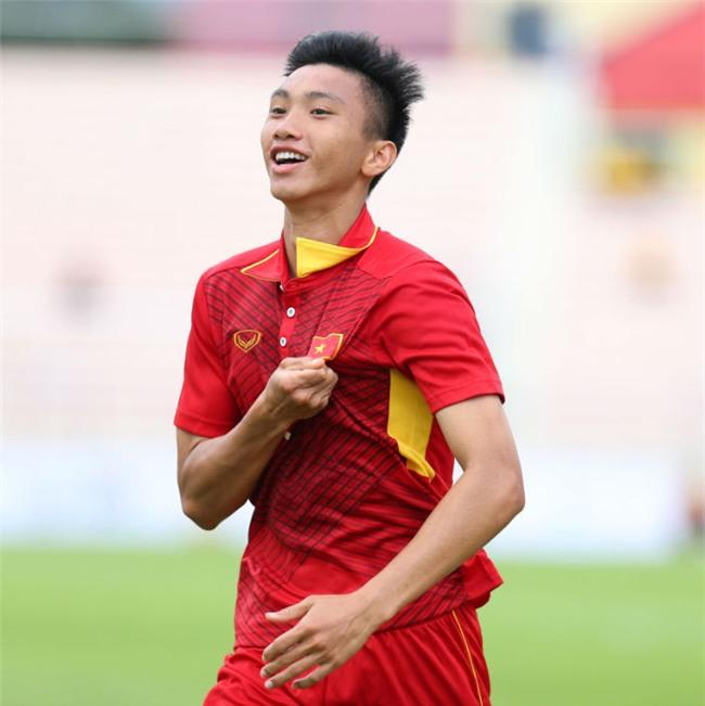 Top 10 cầu thủ Việt sở hữu lượng follow khủng trên Facebook, vượt mặt nhiều sao hạng A giải trí-9