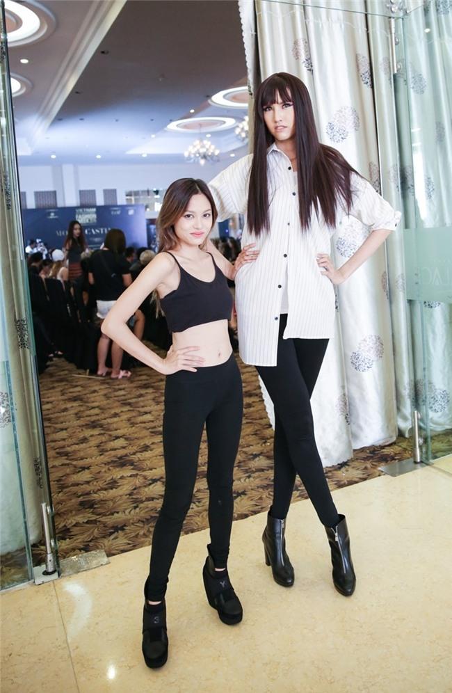 HÀI HƯỚC: Dàn sao Việt bị mẫu nữ 1m90 dìm hàng chiều cao thê thảm-10