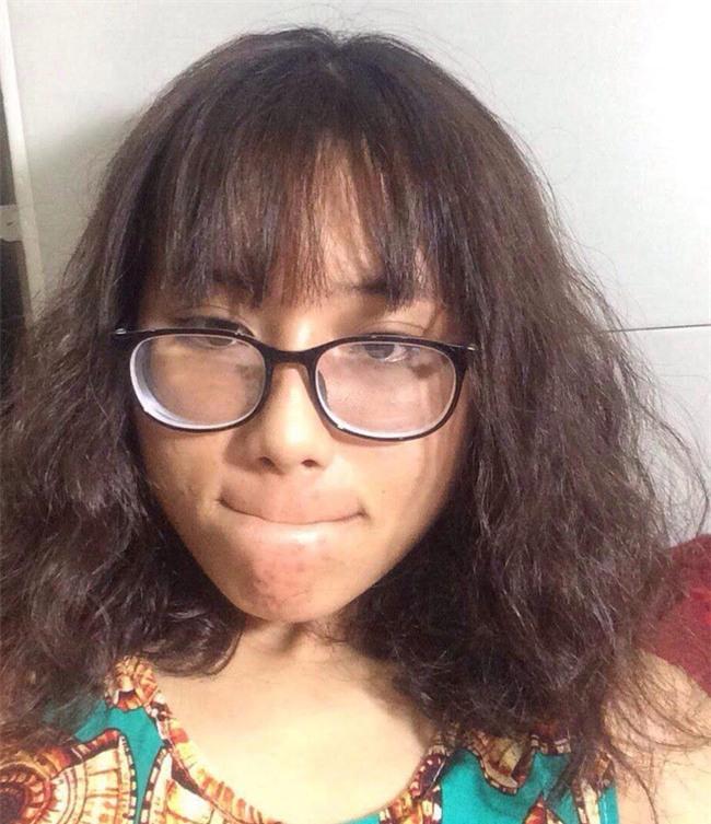 Đi làm tóc chơi Tết, cô gái khóc ròng vì ảnh mẫu 1 đằng, tóc làm ra 1 nẻo - Ảnh 2.