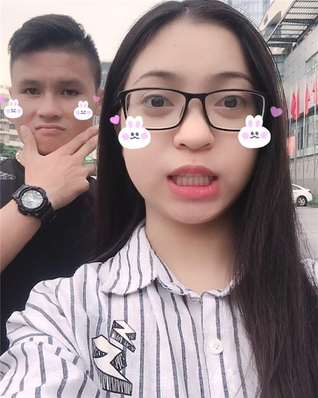 Ở bên bạn gái, cầu thủ quốc dân Quang Hải thay đổi 180 độ thành mèo ngoan-10