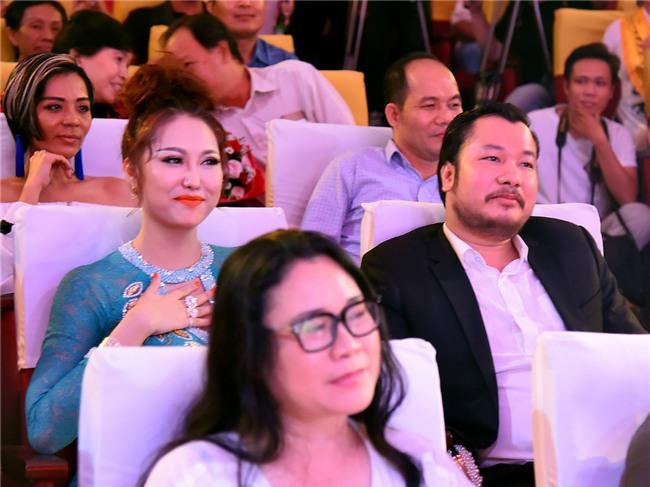 Phi Thanh Vân chia tay bạn trai doanh nhân sau vài tháng hẹn hò-2
