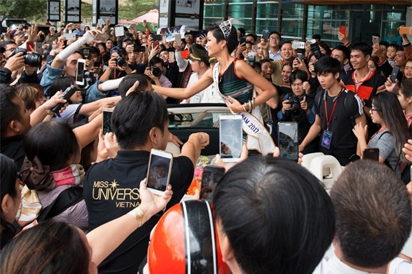Tròn một tháng đội vương miện, HHen Niê phá lời nguyền hoa hậu thị phi sau đăng quang-9