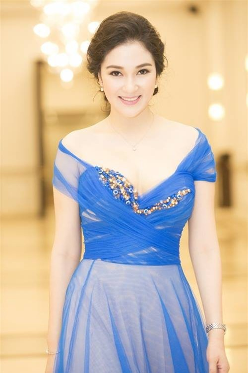 Nhan sắc xinh đẹp bất chấp thời gian của Nguyễn Thị Huyền sau 13 năm đăng quang Hoa hậu trong hậu trường Táo quân - Ảnh 5.