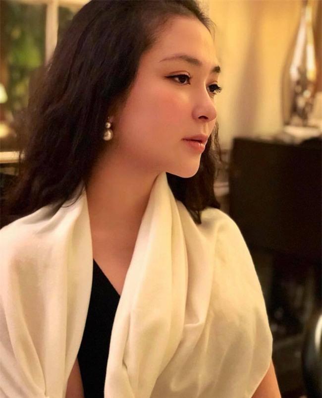 Tái xuất sau 13 năm đăng quang, có ai nhận ra Hoa hậu Nguyễn Thị Huyền với chiếc cằm dài khác lạ này - Ảnh 7.