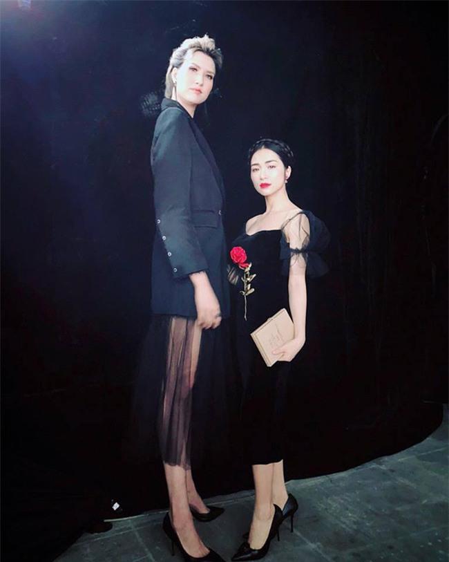 """sau chia tay cong phuong, hoa minzy ngay cang """"lay loi"""" hinh anh 2"""