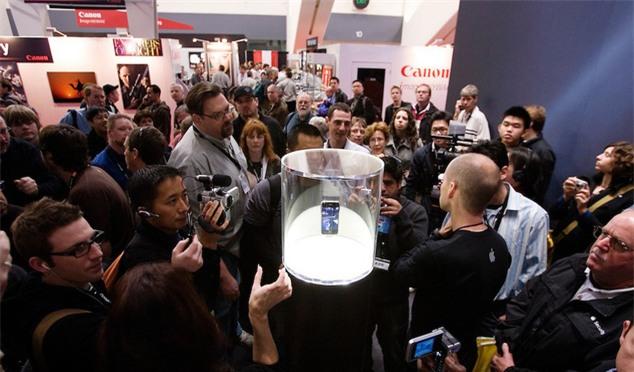 Đến cả Steve Jobs cũng chẳng thể dự đoán trước được sự thành công của iPhone - Ảnh 1.