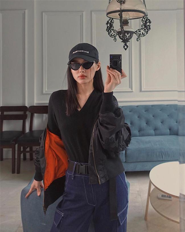 Trước nghi vấn bầu bí lần 3, Tăng Thanh Hà vẫn một mực diện váy rộng giấu dáng trong street style tuần qua - Ảnh 13.