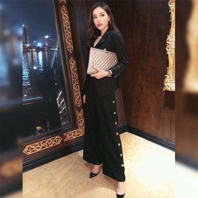 Trước nghi vấn bầu bí lần 3, Tăng Thanh Hà vẫn một mực diện váy rộng giấu dáng trong street style tuần qua - Ảnh 2.