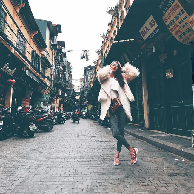 Trước nghi vấn bầu bí lần 3, Tăng Thanh Hà vẫn một mực diện váy rộng giấu dáng trong street style tuần qua - Ảnh 8.