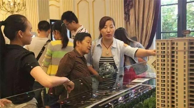 Chị em thi nhau kể sự cố đi shopping sắm Tết, nghĩ lại vẫn thấy cay - Ảnh 2.