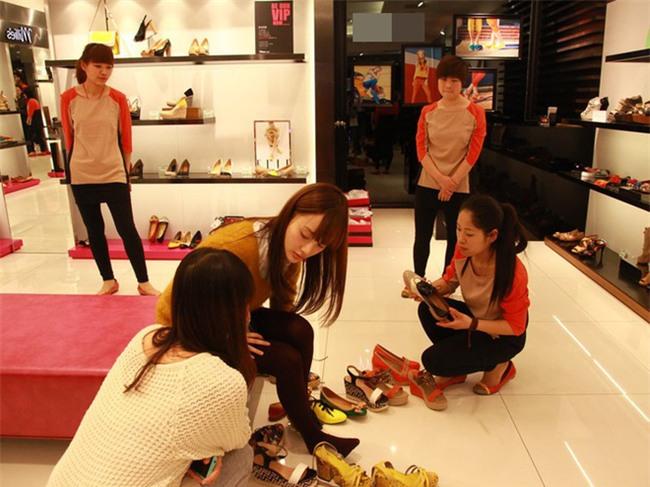 Chị em thi nhau kể sự cố đi shopping sắm Tết, nghĩ lại vẫn thấy cay - Ảnh 3.