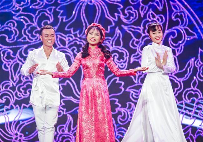 Phương Mỹ Chi diện váy áo điệu đà, khoe vũ đạo điêu luyện trên sân khấu - Ảnh 5.
