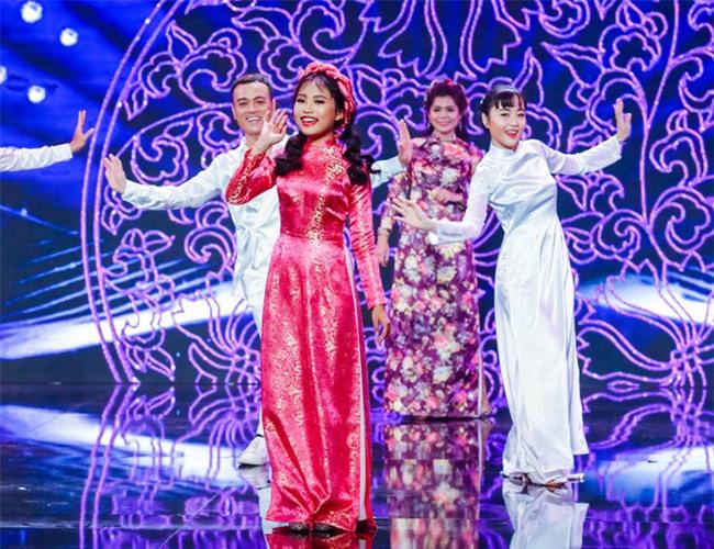 Phương Mỹ Chi diện váy áo điệu đà, khoe vũ đạo điêu luyện trên sân khấu - Ảnh 6.