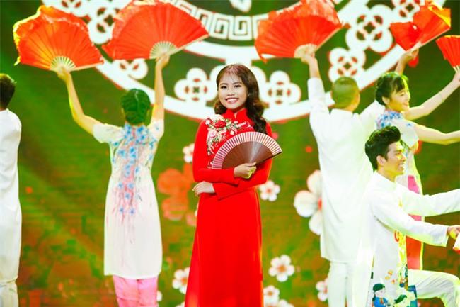 Phương Mỹ Chi diện váy áo điệu đà, khoe vũ đạo điêu luyện trên sân khấu - Ảnh 9.