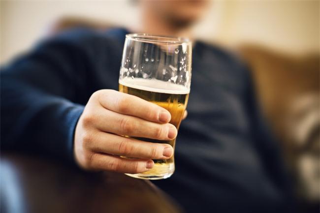 Chuyên gia tiết lộ: Uống rượu lâu say, uống bao nhiêu là đủ?-2