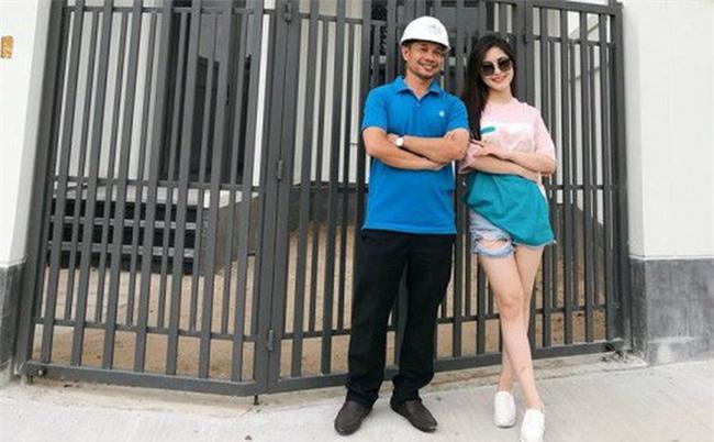 Hương Tràm 'tậu' nhà tiền tỷ sau 6 năm đi hát