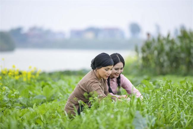 Em bé Hà Nội Lan Hương mặc phong phanh dưới trời lạnh 8 độ  - Ảnh 3.