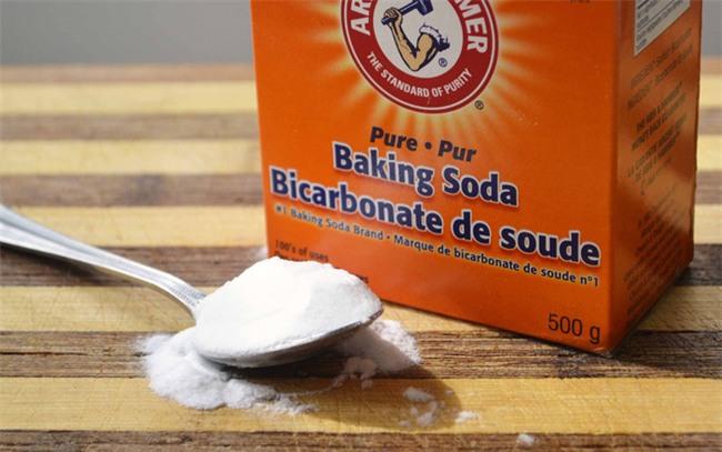 Nếu thử loạt sản phẩm mà vẫn chưa khỏi mụn, các nàng hãy thử dùng baking soda xem sao! - Ảnh 1.