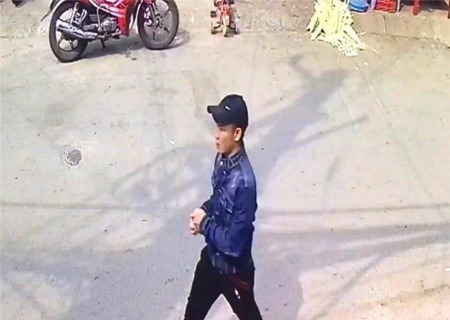 Nghi phạm sát hại cô gái chủ tiệm thuốc tây ở Sài Gòn ra đầu thú - Ảnh 1.