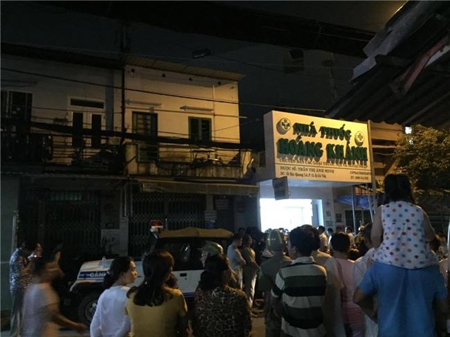 Nghi phạm sát hại cô gái chủ tiệm thuốc tây ở Sài Gòn ra đầu thú - Ảnh 2.