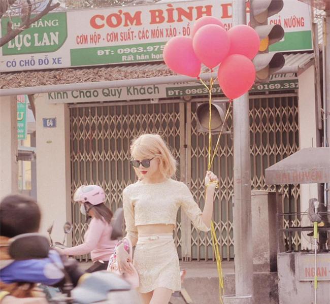 Xuất hiện trên đường phố, chàng trai khiến nhiều người giật mình vì tưởng là Taylor Swift - Ảnh 6.