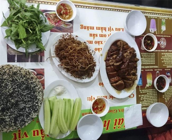 6 quán vịt ngon, giá chỉ khoảng 100 ngàn/ người để ăn giải đen cuối năm ở Hà Nội - Ảnh 17.