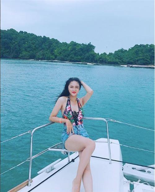 me met ngam duong cong cua huong giang truoc them miss international queen 2018 - 7