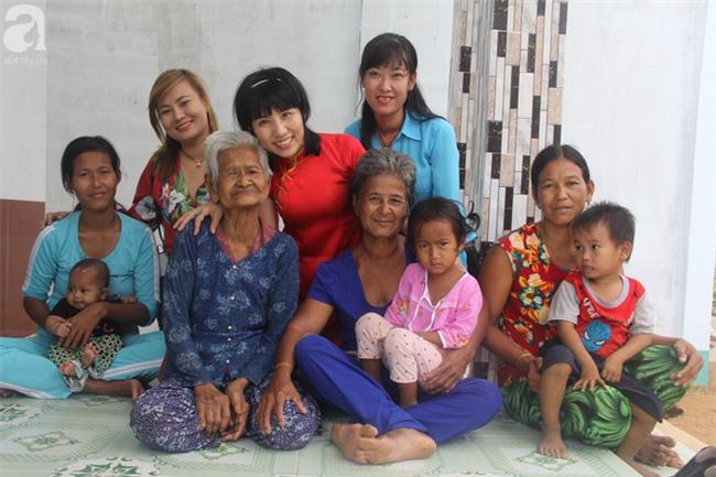 Không còn cảnh xin từng bữa cơm nuôi 4 người con tâm thần, người mẹ già 86 tuổi đã có một cuộc sống mới - Ảnh 13.
