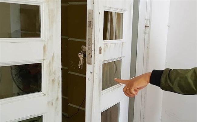 Gia chủ ăn tất niên, trộm đột nhập nhà khoắng trăm triệu