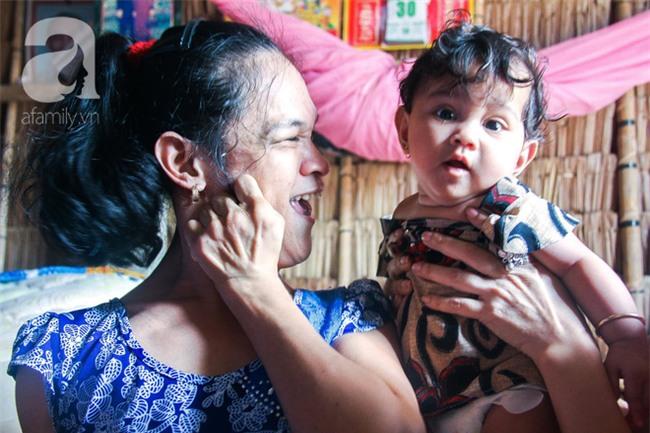 Tết mới của gia đình người mẹ điên ở Trà Vinh: Ấm áp và tràn ngập tiếng cười nhờ những tấm lòng - Ảnh 2.