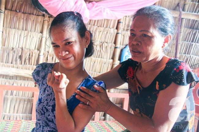 Tết mới của gia đình người mẹ điên ở Trà Vinh: Ấm áp và tràn ngập tiếng cười nhờ những tấm lòng - Ảnh 16.