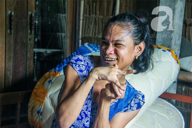 Tết mới của gia đình người mẹ điên ở Trà Vinh: Ấm áp và tràn ngập tiếng cười nhờ những tấm lòng - Ảnh 6.