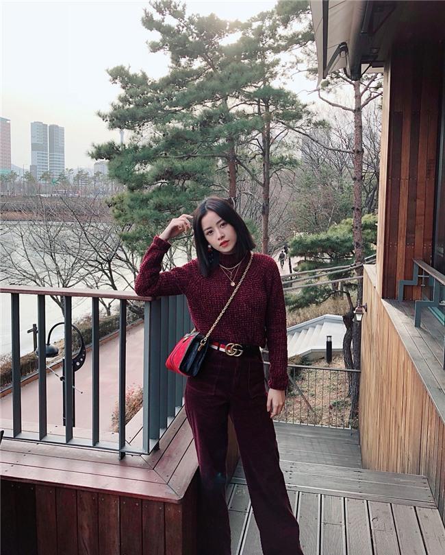 Hồ Ngọc Hà - Angela Phương Trinh dẫn đầu xu hướng nhung rực rỡ đón chào năm mới-2