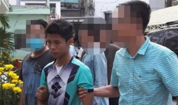 Nghi phạm 18 tuổi khai do hay bị la mắng, thiếu tiền tiêu xài Tết nên đã ra tay sát hại cả gia đình ông chủ 5 người ở Sài Gòn - Ảnh 1.