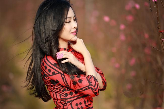 """""""hot girl dao keo"""" nam dinh dep lung lieng voi ao dai xuan hinh anh 7"""