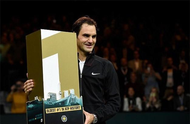 Roger Federer trở lại ngôi số 1 thế giới, lập kỷ lục chưa từng có - Ảnh 1.
