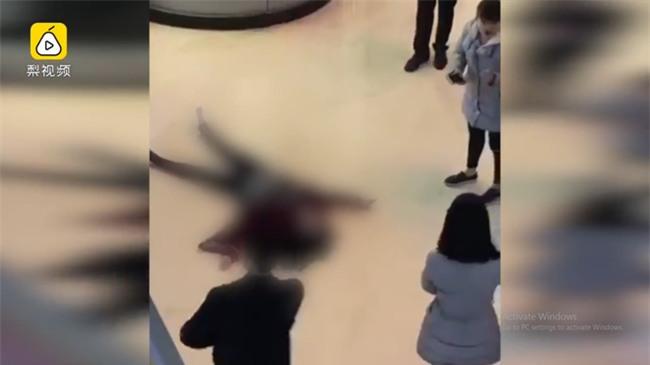 Phẫu thuật thẩm mỹ thất bại, cô gái trẻ quẫn trí nhảy lầu tự tử - Ảnh 1.
