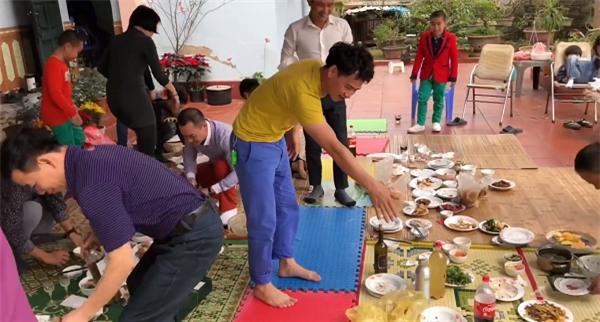 Xuân Bắc cùng quân sư Bi Béo mách tuyệt chiêu giúp chị em dọn dẹp ngày Tết cực hài-1