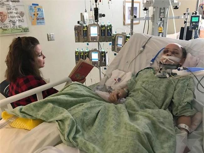 Mỹ: Vừa lỡ tay làm rơi tấm ván nặng 21kg, bố đã nghe tiếng thét thất thanh của cô con gái và gương mặt đẫm máu - Ảnh 3.