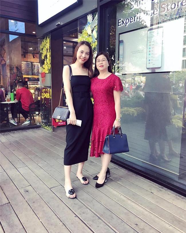 Sau khi công khai tình cảm, Cường Đô La rạng rỡ chụp hình cùng mẹ của Đàm Thu Trang - Ảnh 3.